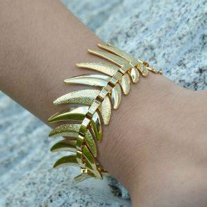 Pulseira de metal dourada