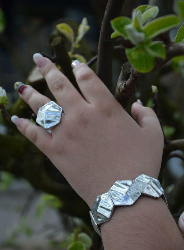 Pulseira e anel hexágonos