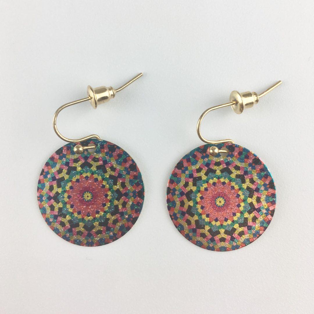 Brincos metal padrão colorido