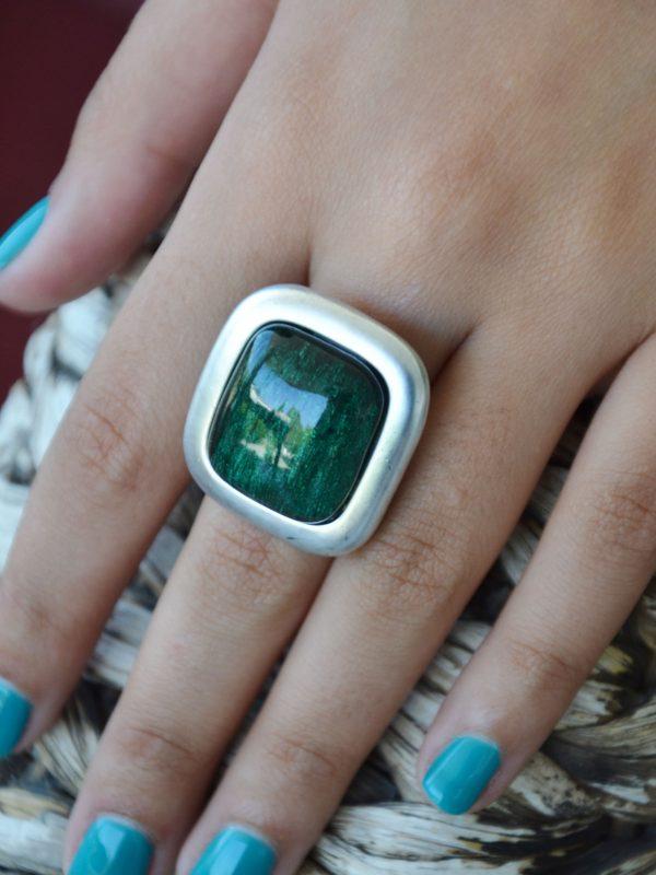 Anel statement quadrado resina verde