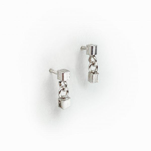 Brincos cubos em prata